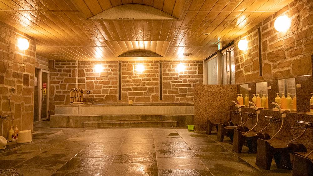 女性大浴場 広々としたお風呂でリラックス出来ます。